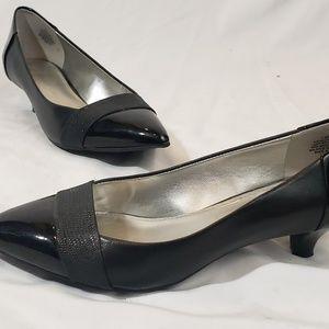 Ann Klein Black Patent iflex Kitten Heels Size 7.5